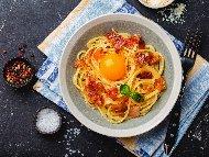 Традиционна рецепта за спагети Карбонара със свински бузи (гуанчале)